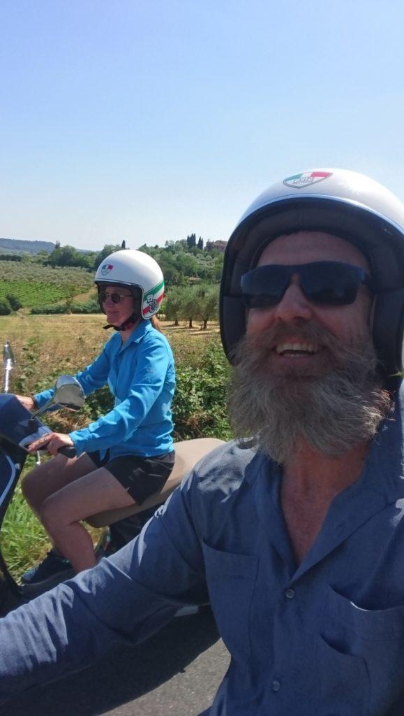 Vespa trip tuscany